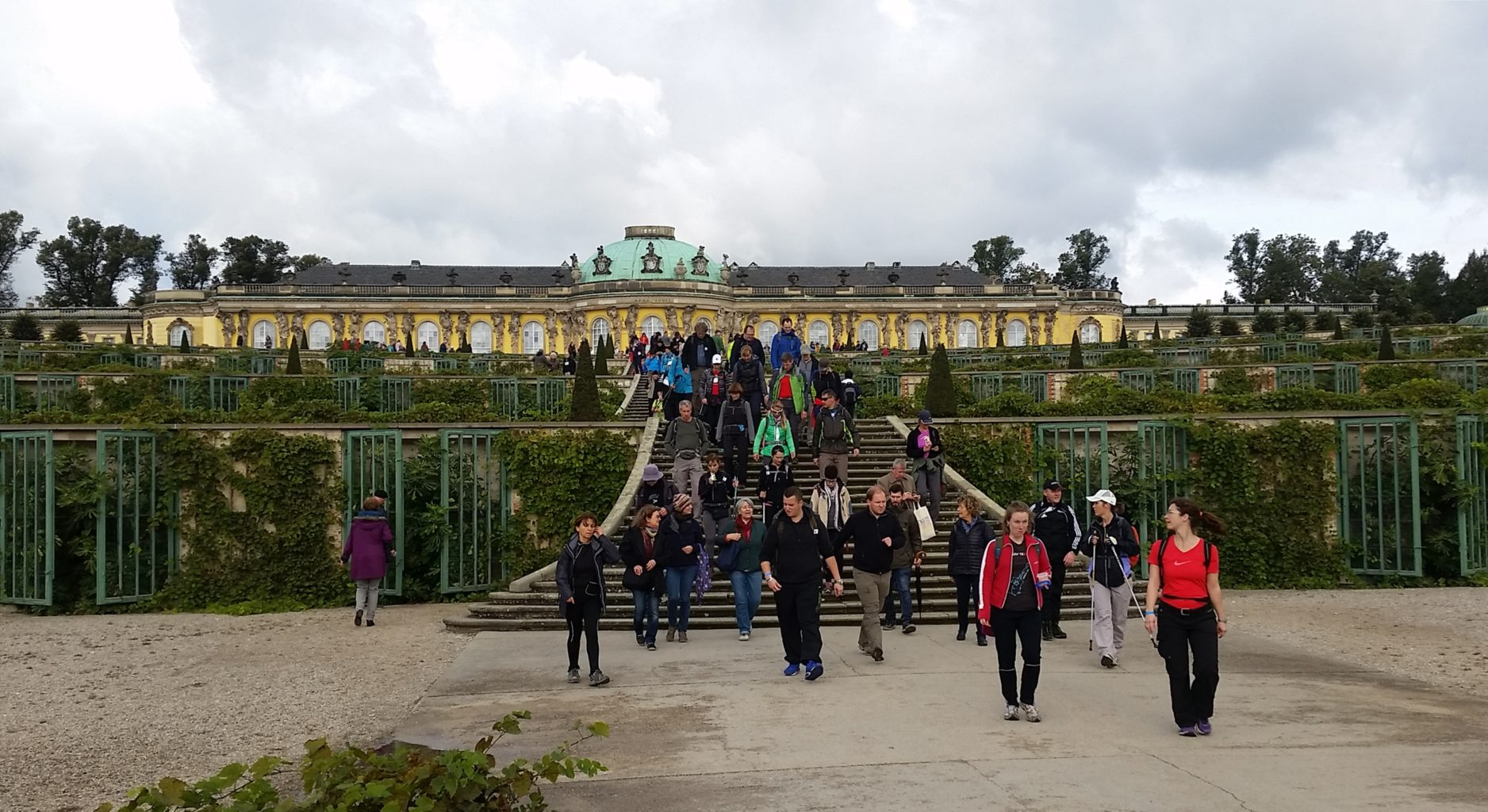 vor Schloss Sanssouci